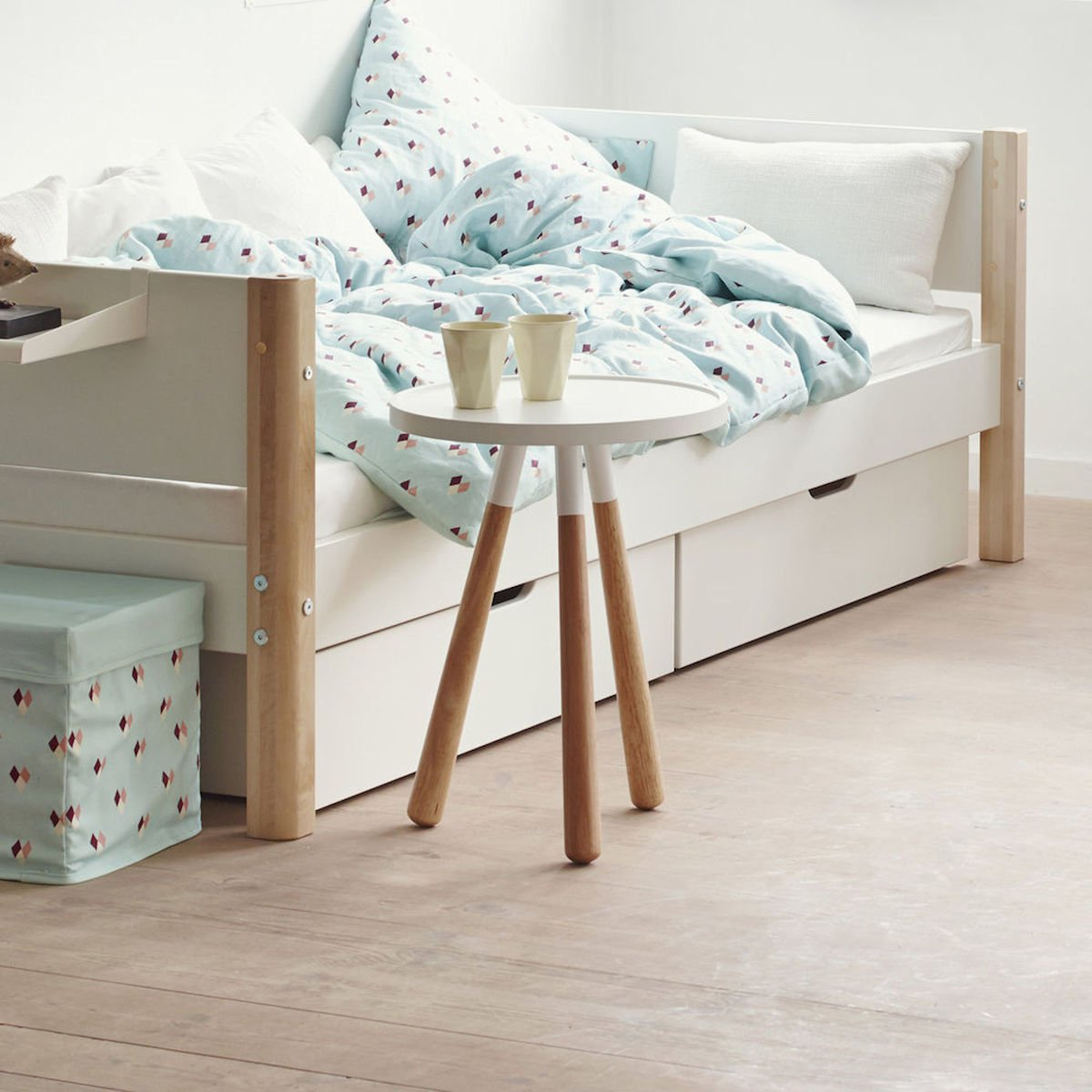 white einzelbett 90x200 2 sch be wei wei 90 10756 40 469. Black Bedroom Furniture Sets. Home Design Ideas