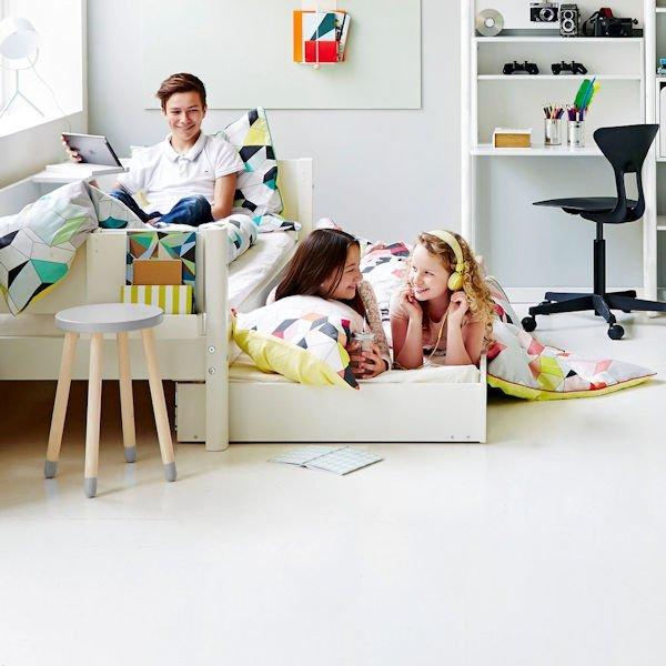 white ausziehbett 90x200 aufsteller wei 82 20125 40 230. Black Bedroom Furniture Sets. Home Design Ideas